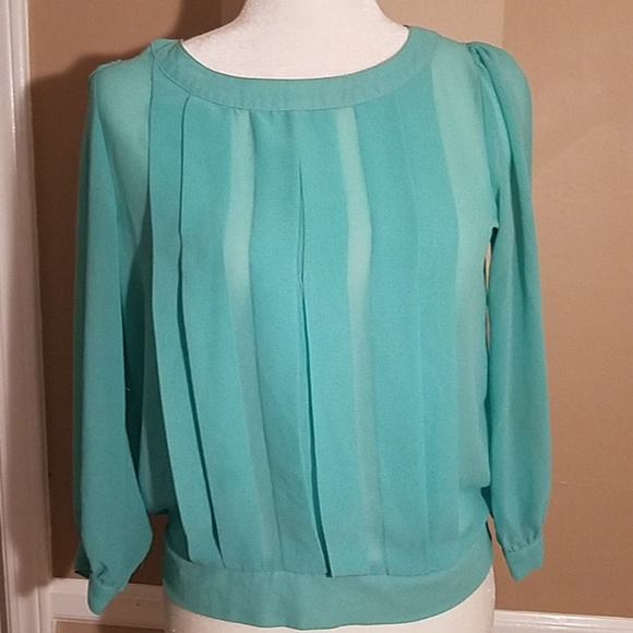 Forever 21 Tops - Forever 21 teal shear blouse size small